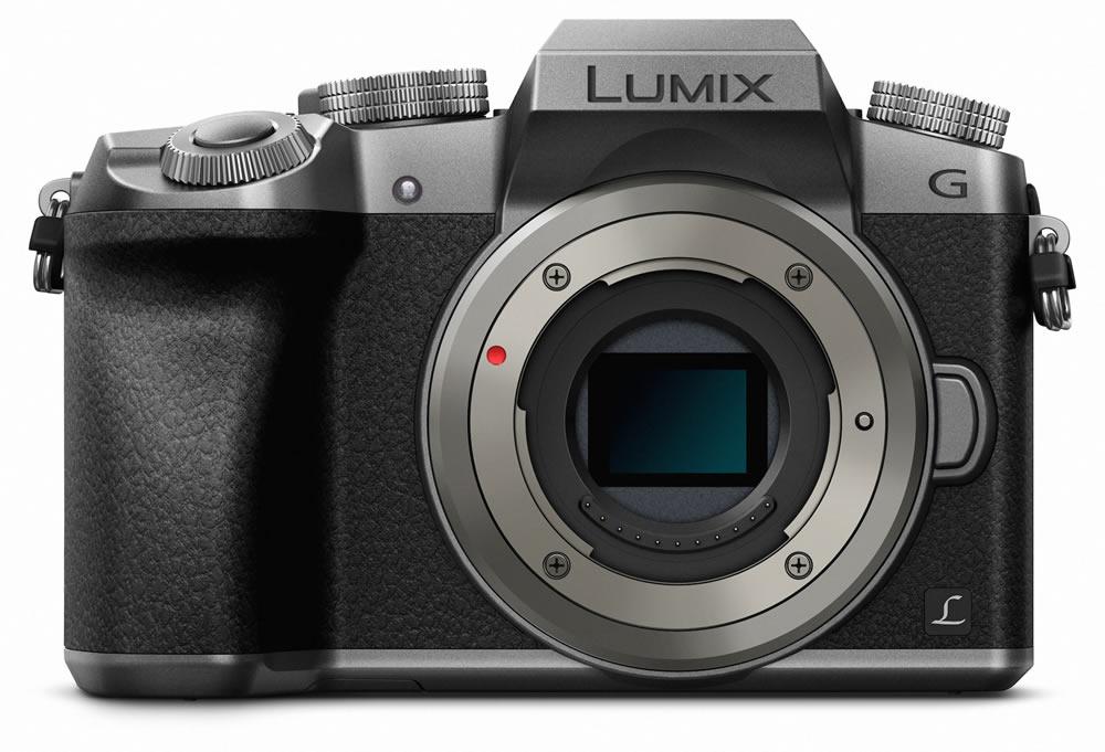 Die neue Lumix G70 wird in den Farben Schwarz-Silber und Schwarz erhältlich sein.