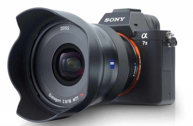 Zeiss Batis 2,8/18mm mit OLED-Display